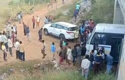 Four rape/murder suspects shot dead by Indian police under bridge during investigation