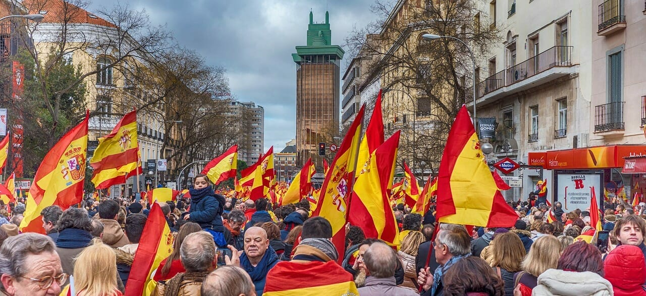 Growing calls for EU exit amongst Spaniards and Poles amid rising tensions | Gript