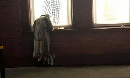 """""""A death of hope"""": Shock as photo of homeless elderly lady eating dinner on window sill reveals extent of crisis in Ireland"""