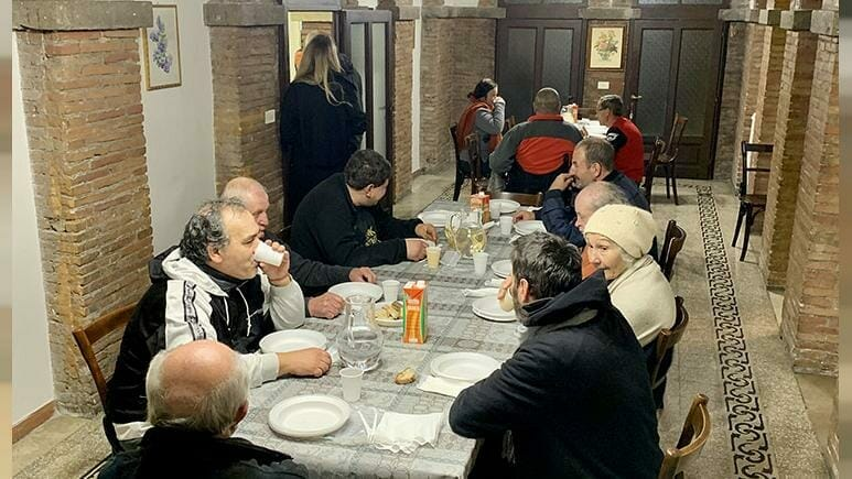 Pope converts Vatican palace into homeless shelter