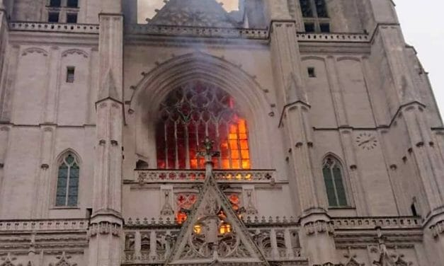 Nantes Cathedral in flames